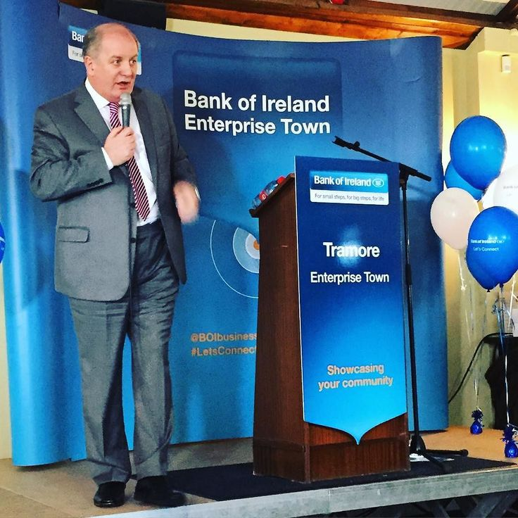 Gavin Duffy is here at Tramore Racecourse for Bank of Ireland Enterprise Town. Brilliant talk on the importance of supporting local economy with only a tiny plug for the new series of Dragon's Den! #supportlocal #buylocal #BankOfIreland #EnterpriseTown
