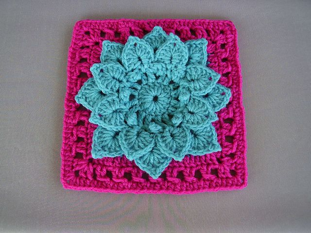 Crocodile Stitch Afghan Block - Dahlia FREE pattern by Joyce Lewis