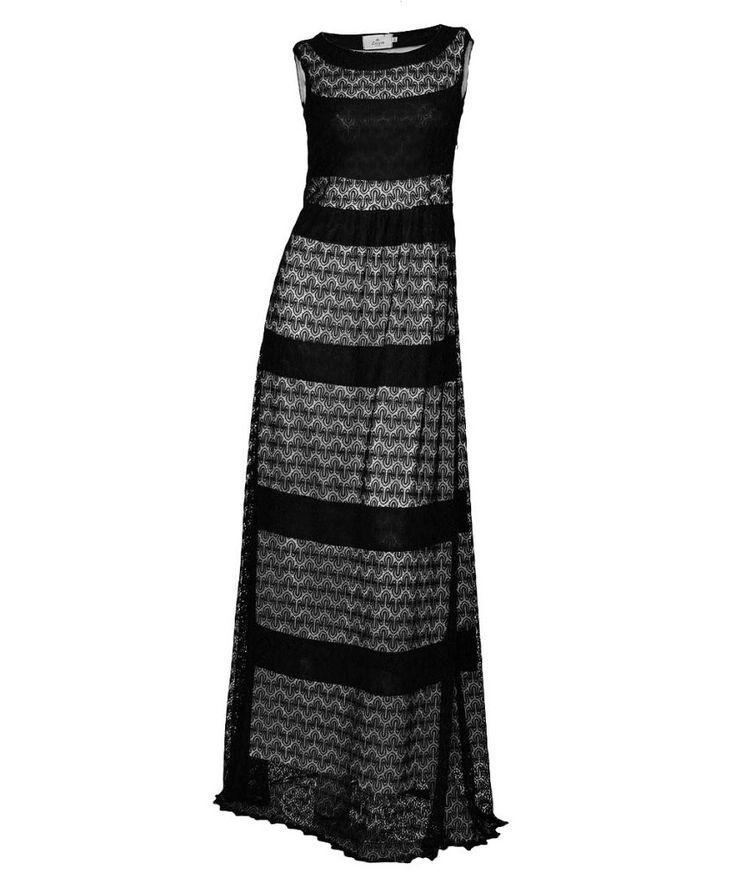 http://www.revolves.gr/shop/zoya-φόρεμα-μαυρο-5125/