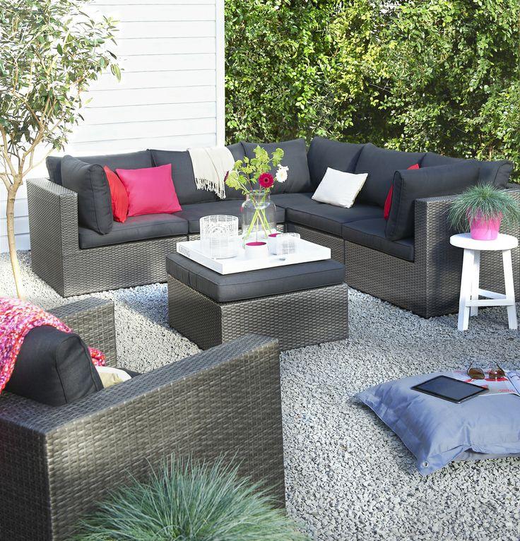 Loungeset Modena: loungeset met moderne uitstraling. Heerlijk wegzakken in de comfortabele kussens #tuin