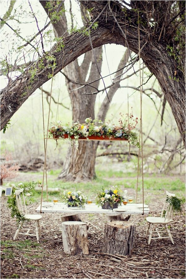 Hanging table | The Adventures of Tom Sawyer Wedding Inspiration by Stephanie Sunderland Photography via www.lemagnifiqueblog.com