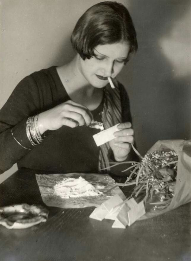 Cocaine use in Weimar Germany,1932