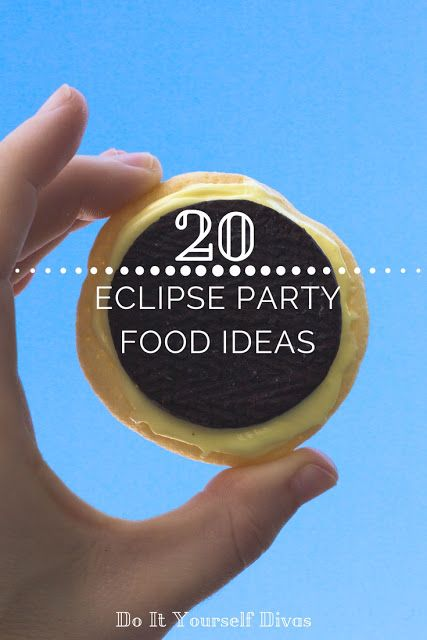 solar eclipse cookies.20  Eclipse party food ideas. Space birthday party food ideas. moon cookies. sugar cookies and oreos.