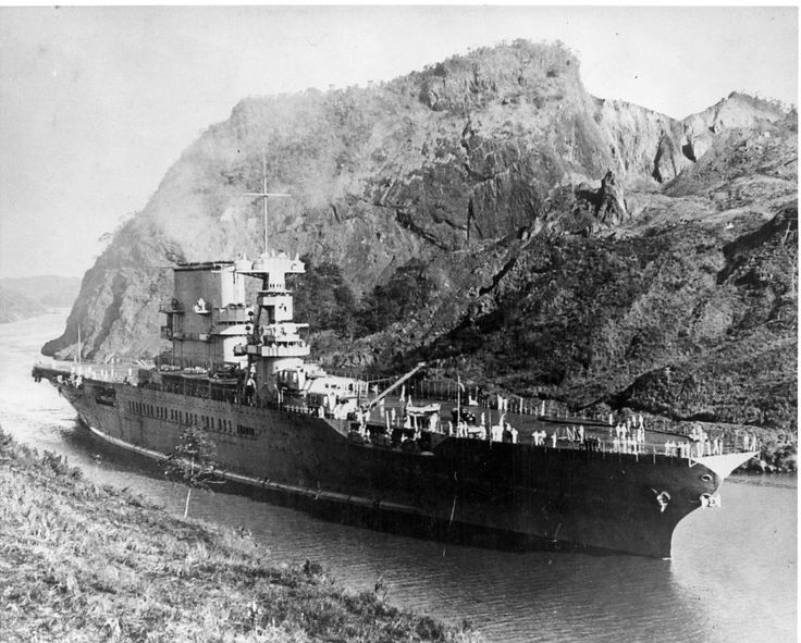 uss saratoga cv3 enroute to the pacific transiting the panama canal in 1928