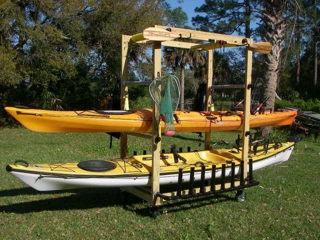 Great design for a rolling kayak rack.