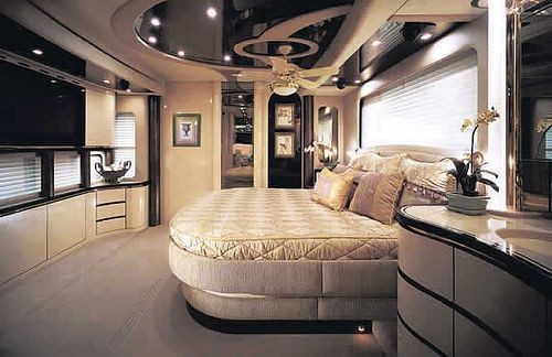 Mobile home with modern and contemporary interior designs: amazing home  theatre in mobile house bedroom | Home on wheels - motorhomes | Pinterest |  Mobile ...