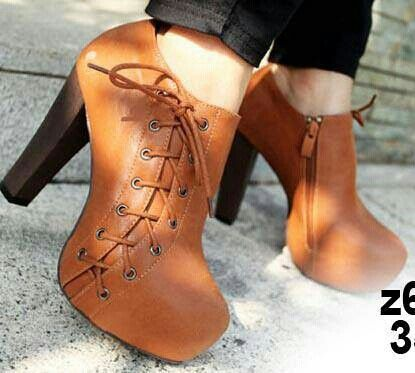 READY STOCK WOMEN BOOTS KODE : Brown Largo Boots PRICE : Rp.390.000,- AVAILABLE SIZE : 39 HEELS : 13Cm  FOR ORDER : SMS/Whatsapp 087777111986 PIN BB 766a6420  #pusat #sepatu #boots #brown #import #heels #ready #stock #women #wanita #mayorishop #online #bogor