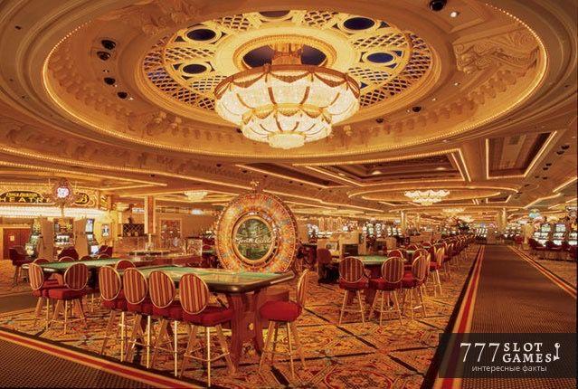 «Белый зал» в казино Монте-Карло. В знаменитом казино Монте-Карло есть так называемый «Белый Зал», в котором легендарное прошлое встречается с цифровым будущим. © 777SlotGames «Интересные факты» #777slotgames #gamblinglife #casinolife #montekarlo #casino