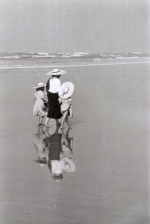 à la plage, c. 1970 • edouard boubat