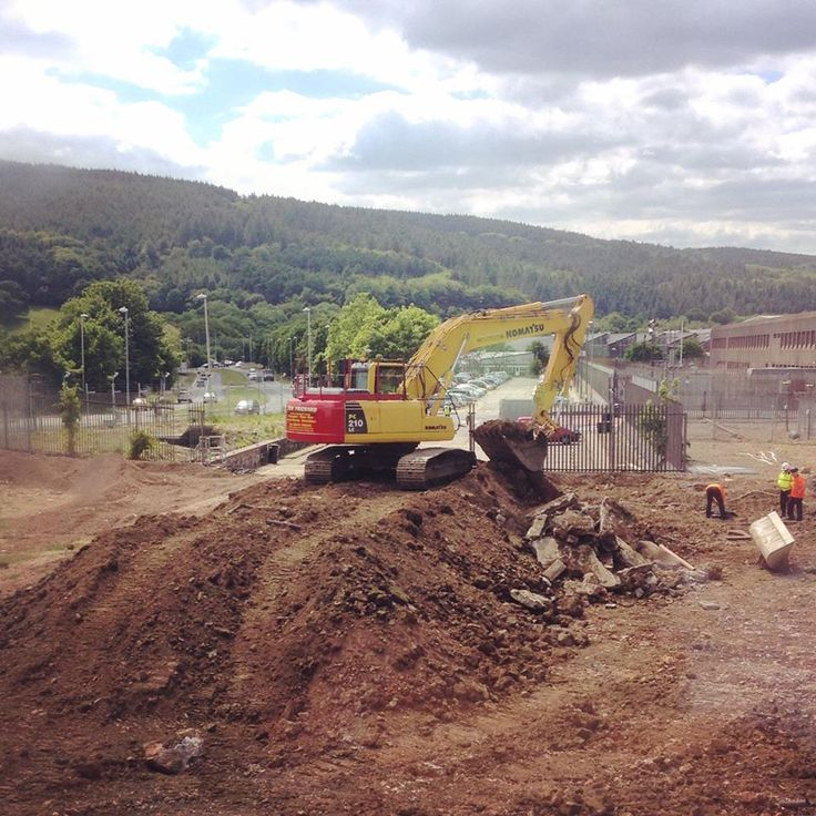 The diggers have arrived! Construction work for the new Royal Mint Visitor Centre began today - 9 June 2015. Will you be visiting in 2016? Register here for the latest news: http://www.royalmint.com/pre-register/the-royal-mint-visitor-centre