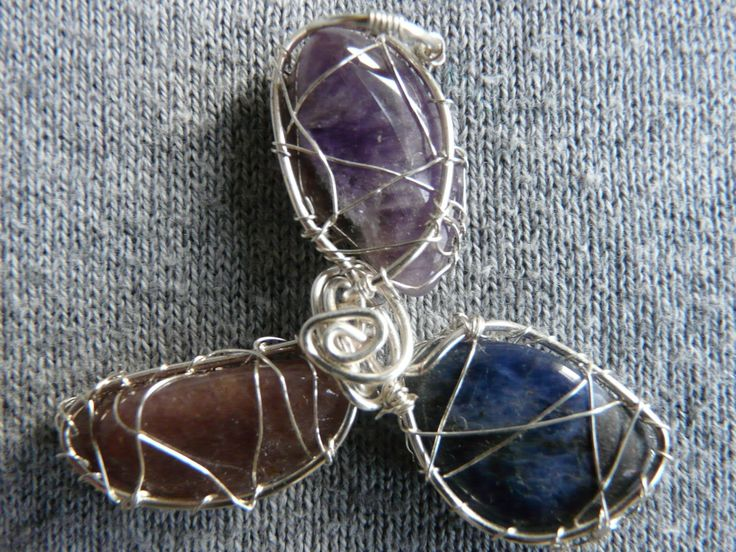 Silver plated copper pendant triskelion with amethyst, sodalite and quartz crystals // Knitted like pendant with metal and gemstones /// by FlowCrochet on Etsy