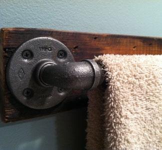 Industrial Towel Bar, LOVE!