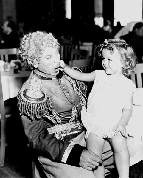 """Harpo Marx and Shirley Temple on """"Duck Soup"""""""