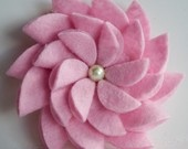 Felt Flower Pin Emerald by tsahdesigns on Etsy