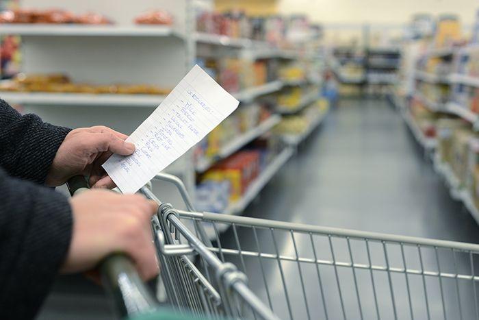 Contrairement aux idées reçues, un aliment n'a pas besoin d'être cher pour être bon pour la santé. La preuve avec ces aliments sains à ajouter au panier !