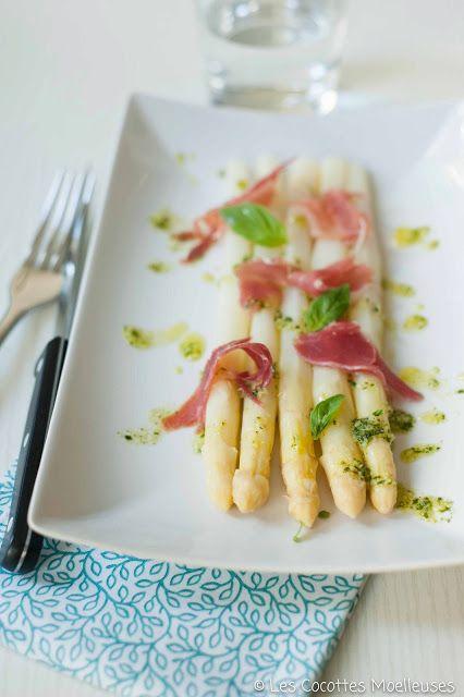 Les Cocottes Moelleuses: Les asperges au basilic, parmesan et jambon cru