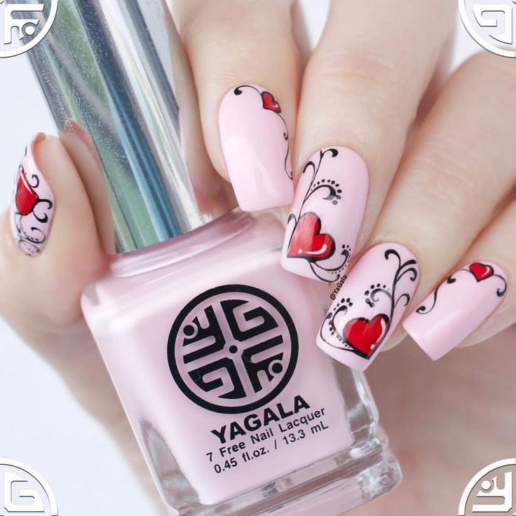 Not on all fingers. And liking the design on pinky best.