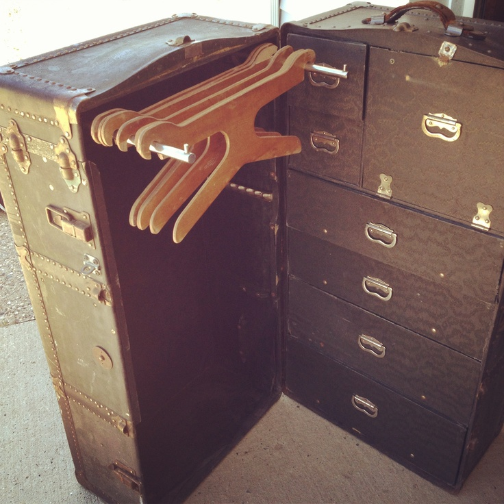 95 best Antique steamer trunks images on Pinterest | Steamer trunk ...