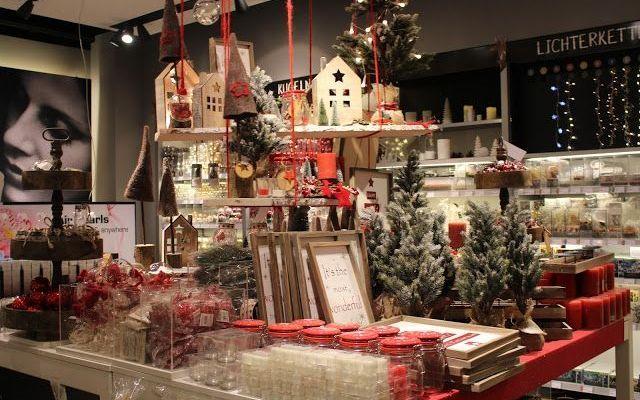 Innsbruck, la capitale delle Alpi, città d'arte, dello sci e dello shopping natalizio Il Natale è vicino e molti in questo periodo si spostano, meta più ambita Innsbruck, capitale delle Alpi, per la settimana bianca, o anche solo un weekend tra le cime innevate per dedicarsi allo sci, #innsbruck #mercatininatale #manuelita