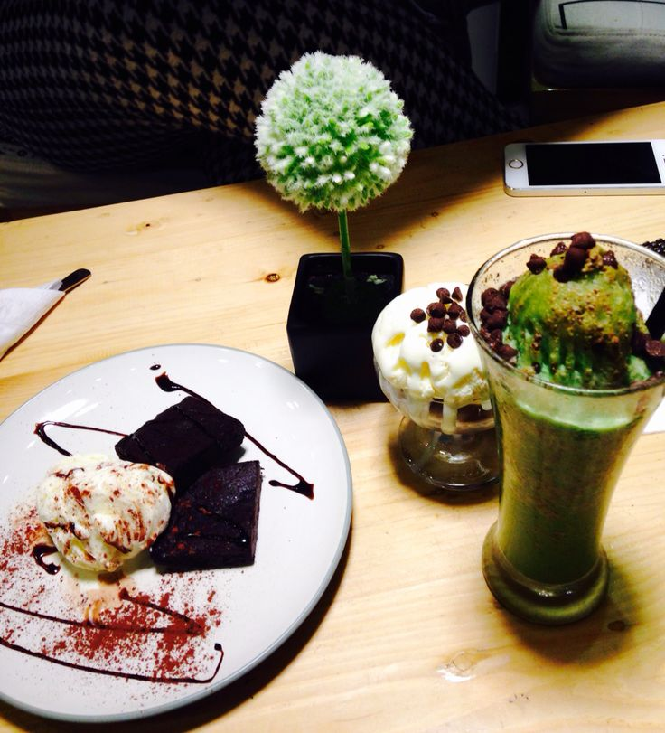 Brownies , Vanilla Ice Cream, Green Tea Float  At Wake Cup Caffe Surabaya