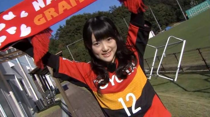 Kanon cheers up Nagoya Grampus.