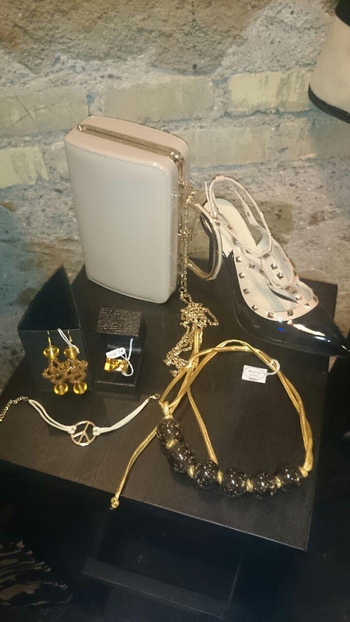 Accessori bellissimi che stanno bene su ogni tipo di outfit.   #Roma #fashion #Shopping #bcomebellezza