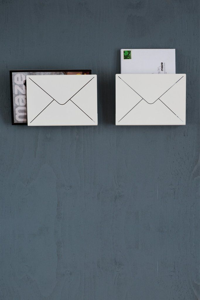 Put your postcards, letters, incoming or outgoing mails in this neat wall-mounted letter shelf.  #hallway #mazeinterior