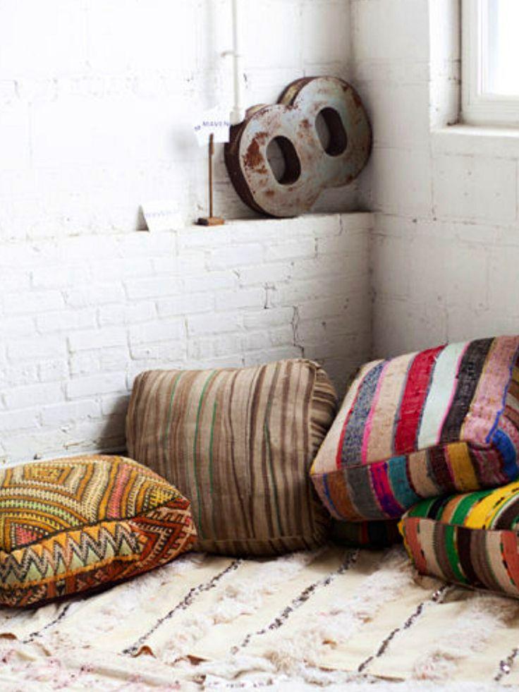 Met grote zitkussens kan je veel doen thuis pinterest for Zit kussens