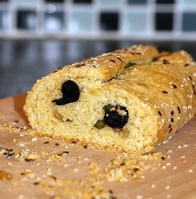 biscotti aux olives noires fait avec de la polenta