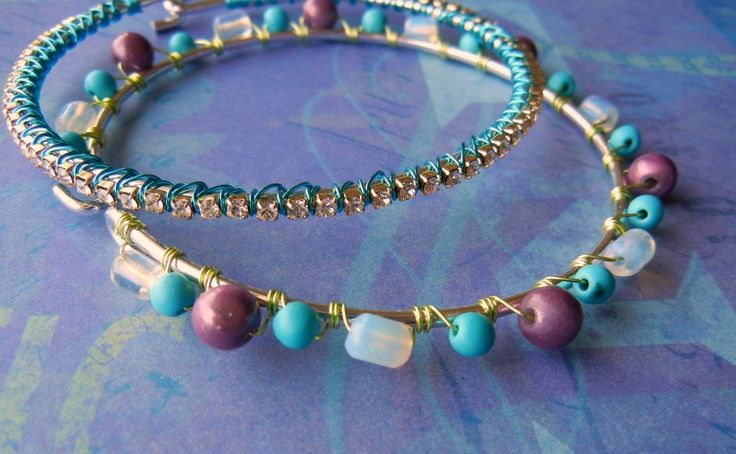 Wire lashing: an easy way to cover your jewelry with beads or bling!Beautiful Jewelry, Wire Wraps, Diy Jewelry, Beads Jewelry, Beads Techniques, Beaded Jewelry, Wire Lashes, Wire Wrapping, Beading Techniques