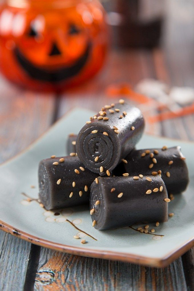 Celebrate Halloween with a classic Cantonese dim sum, Black Sesame Rolls! This dessert is sweet and jello-like with a hint of nutty and earthy flavors. It's October already, which means Halloween is just around the corner. I teamed up with 7 Asian food bloggers to bring you some spooky dark food to celebrate Halloween. The...Read More »