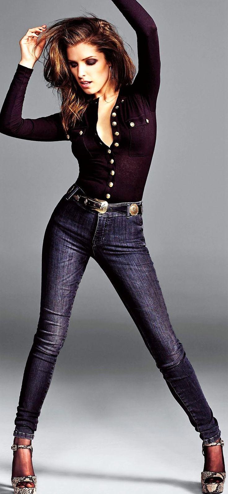 Anna Kendrick Body