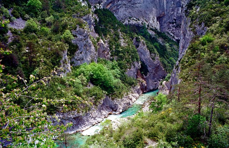 https://flic.kr/p/H2E4rV | Saturday trip to Verdon Gorge... | The Gorges Du Verdon in south-eastern France (Alpes-de-Haute-Provence), is a river canyon that is often considered to be one of Europe's most beautiful. It is about 25 kilometres long and up to 700 metres deep.  - - - Film: Kodak Porta 160 (OverExposed +1EV as ISO 80) Developer: Tenetal Colortec C-41 Scanner: Nikon CoolScan LS-5000ED