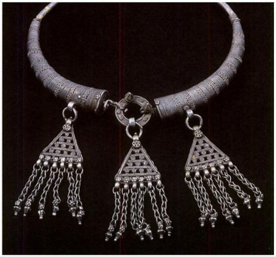 Book Excerptise: A Jewelled Splendour: The Tradition of Indian ...