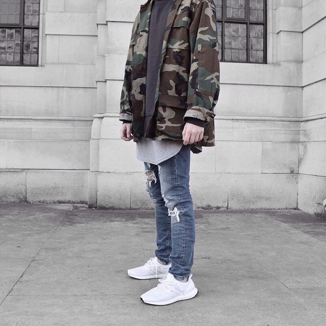 Camo jacket and @adidasoriginals White ultra boosts | Outfits | Pinterest | More Camo ideas