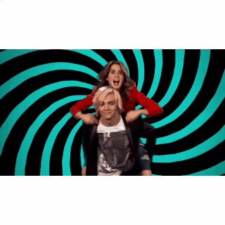 So adorable!!! Love Austin and Ally!!!!! ❤️