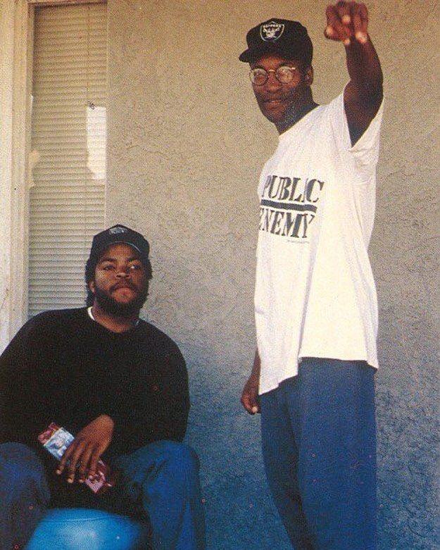 bfb78c8fb Ice Cube and John Singleton on the set of 'Boyz N The Hood', 1991 ...