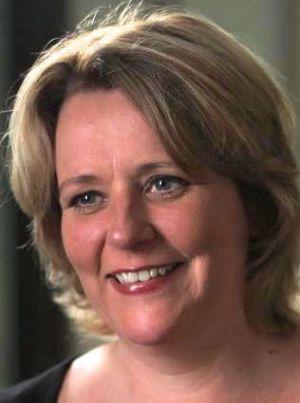 Jacqueline Huisman is verantwoordelijk voor de organisatie van de thema- en netwerkbijeenkomsten van Bedrijvige Vrouwen. Als ondernemer is Jacqueline deskundig in Human Resource Management en Loopbaancoaching en ze is bedenker/oprichter van Loopbaanbootcamp.