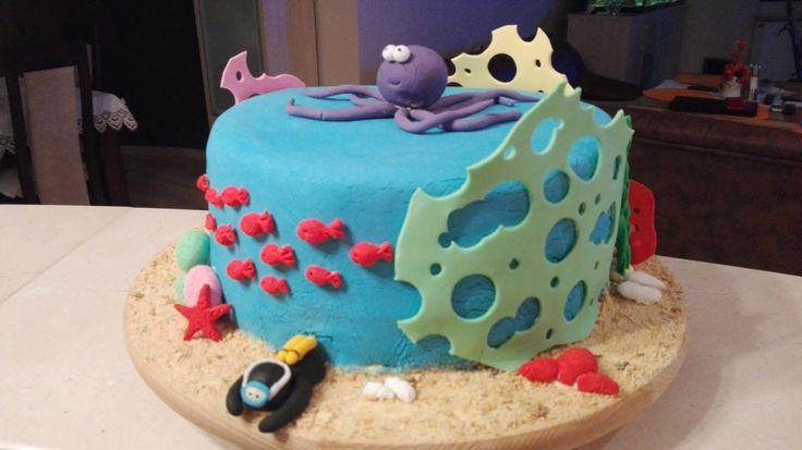 Tort z nurkiem, ośmiornicą i elementami rafy koralowej/ Cake with diver, octopus and elements of coral reef