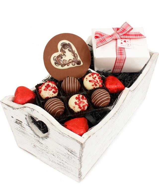 A yummy Valentine's Day gift... the Tru-Luv Chocolate Box www.eden4chocolates.co.uk