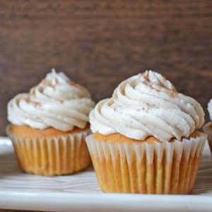 Get this easy recipe for the best Pumpkin Spice Cupcakes with Cinnamon Cream Cheese Frosting!