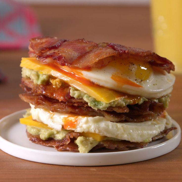 Bacon Weave Breakfast Sandwich // What is WRONG with you, someone get this mess on an english muffin!!! .. the mason jar lid looks like a great trick, tho.