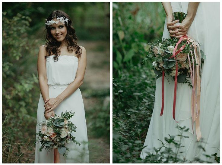 Sweet Decolove Bride wearing our Caroline Flower Vine with silk flowers and freshwater pearls 📷 Pokadrowani
