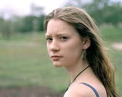 「Mia Wasikowska」の画像検索結果
