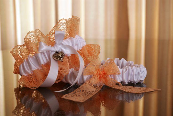 Heavenly Garters - South African wedding garters. www.heavenlygarters.co.za Facebook: Heavenly-Garters