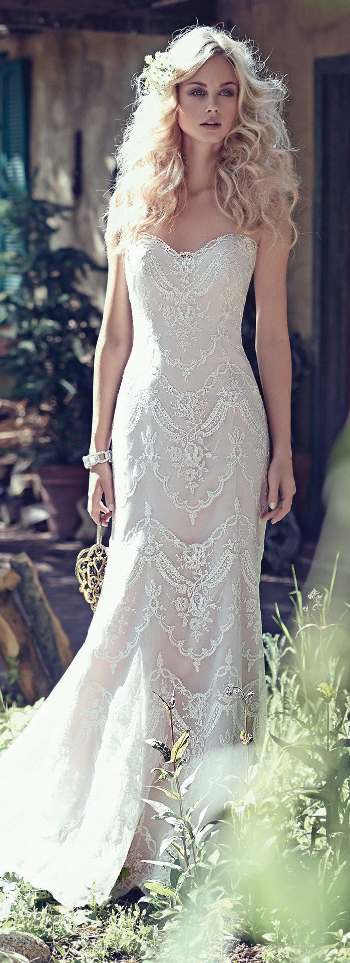 DRESS OF THE WEEK: Kirstie by Maggie Sottero