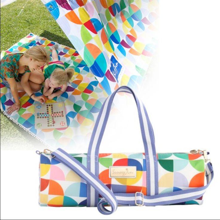 Buy beach shades online at Atticus Fox. Shop our sun shade range now.