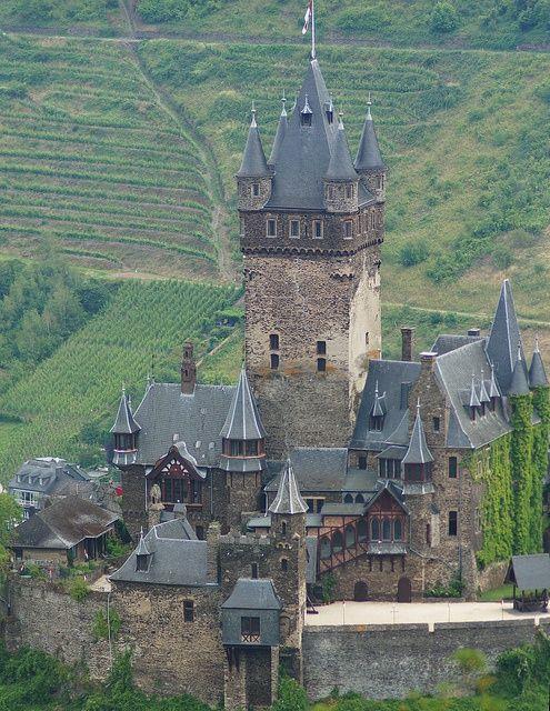 Reichsburg Cochem, | http://best-my-famous-castles.blogspot.com
