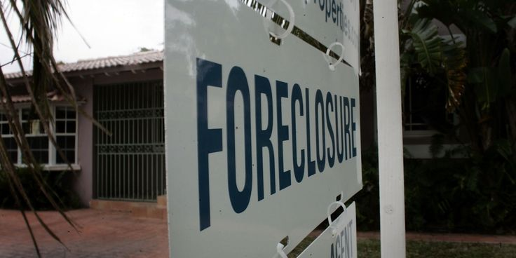 Officials Cover Up Housing Bubble's Scummy Residue: Fraudulent Foreclosure Documents - ..mortgage companies attempt to foreclose on homeowners using false documents.