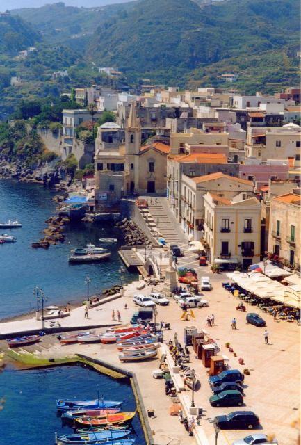 Lipari, Eolian Islands, Sicily Italy #lipari #sicilia #sicily